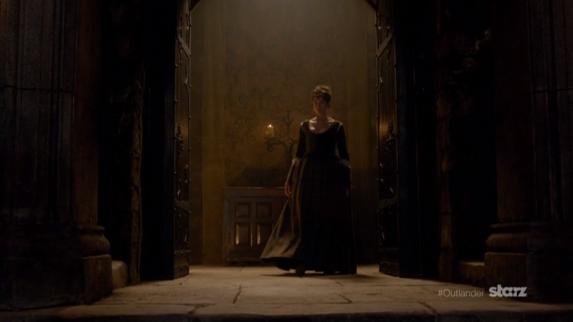 Claire Entering Leoch Hall 2