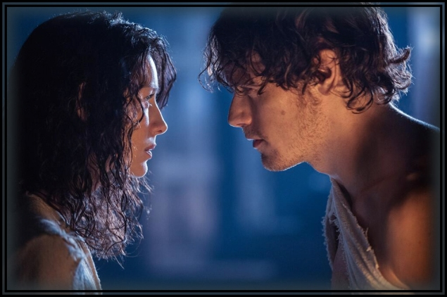 NEW PIC: Jamie (Sam Heughan) and captive/captivated/captivating Claire (Caitriona Balfe) stare into each other eyes.
