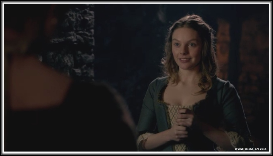 Laoghaire MacKenzie (Nell Hudson) is determined to capture Jamie's heart.