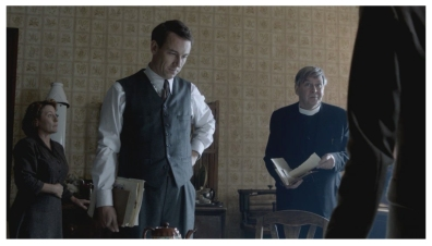 Tracey Wilkinson as Mrs. Graham, Tobias Menzies as Frank Randall & James Fleet as Reverend Wakefield