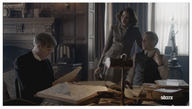 James Fleet as Reverend Wakefield, Caitriona Balfe as Claire Randall & Tobias Menzies as Frank Randall