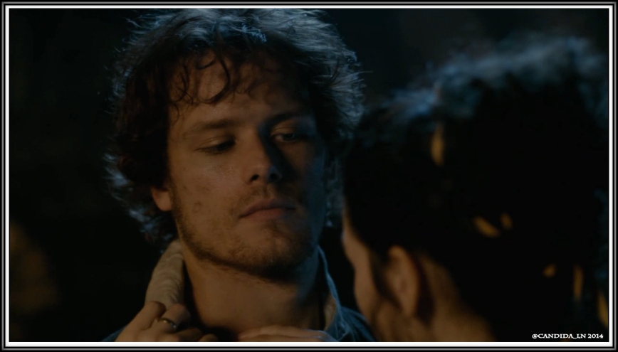 ep103_Jamie_looks_at_Claire